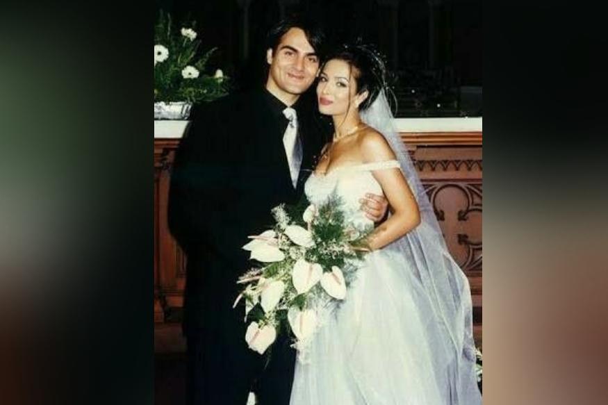 जवळपास 5 वर्ष एकमेकांना डेट केल्यानंतर मलायका आणि अरबाजनं 1998 मध्ये लग्न केलं. या लग्नातही मलायकाची भूमिका मोठी होती कारण, लग्नासाठी अरबाजनं मलायकाला प्रपोज केलं नव्हतं तर मलायकानं अरबाजकडे लग्नाचा प्रस्ताव ठेवला होता.