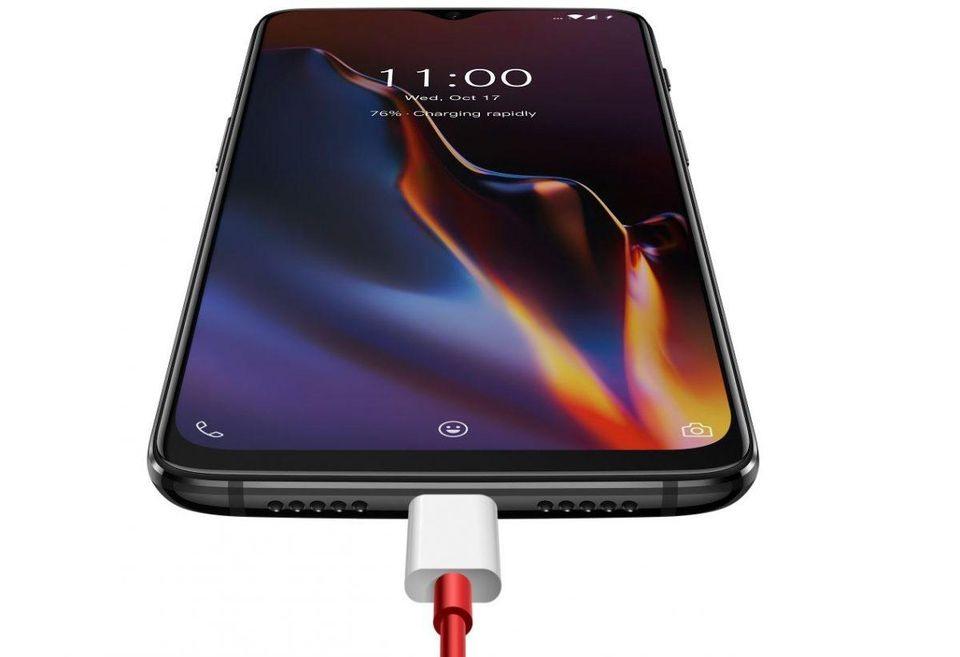 अशी राहू शकते किंमत - कंपनीने या स्मार्टफोन्सच्या किमतींबाबत अद्याप कोणताच खुलासा केलेला नाही. मात्र, OnePlus 7 आणि 7 Pro हे दोन्ही फोन त्याच्या अधी लाँच झालेल्या OnePlus 6T पेक्षा महाग राहतील असं वनप्लस चे सीईओ Pete Lau यांनी म्हटलं आहे. त्यावरून या फोनची किंमत साधारण 50 हजाराच्या जवळपास राहू शकते.