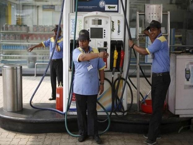 सुदानमध्ये पेट्रोल प्रति लीटर आहे 9.19 रुपये.