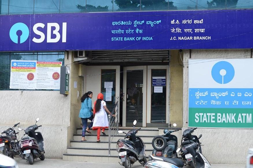 SBI 1 मेपासून बँक डिपाॅझिट आणि कर्जाच्या व्याजदरात बदल होतोय. RBIचा बदललेला रेपो रेट लागू होतोय. त्याचा परिणाम बँकेतली जमा आणि कर्जावर होणार.