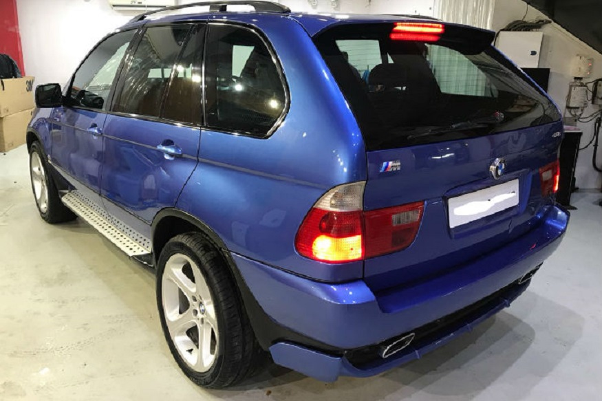 BMW X5M SUV (फोटो सौजन्य : Acierto Multi Trade Pvt Ltd)