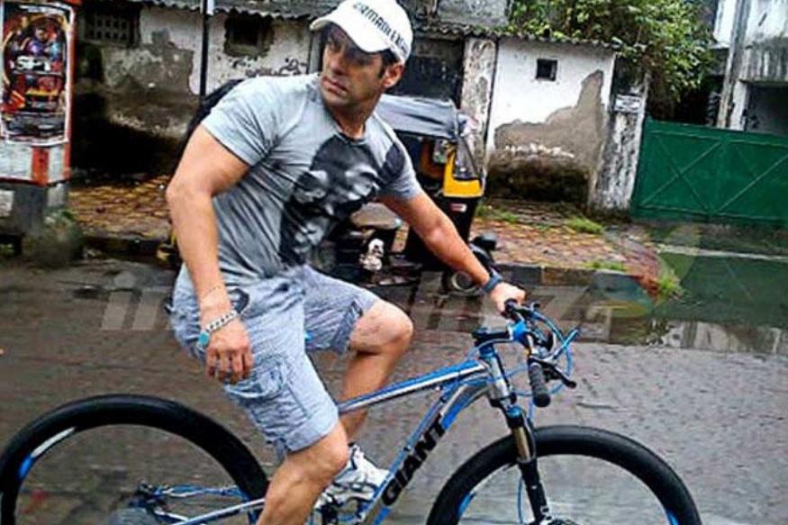 सलमान खान अनेकदा सायकल चालवताना दिसणाऱ्या सलमानकडे 4 लाख रुपयांची  GiantPropel2014XTC ही सायकलही आहे.