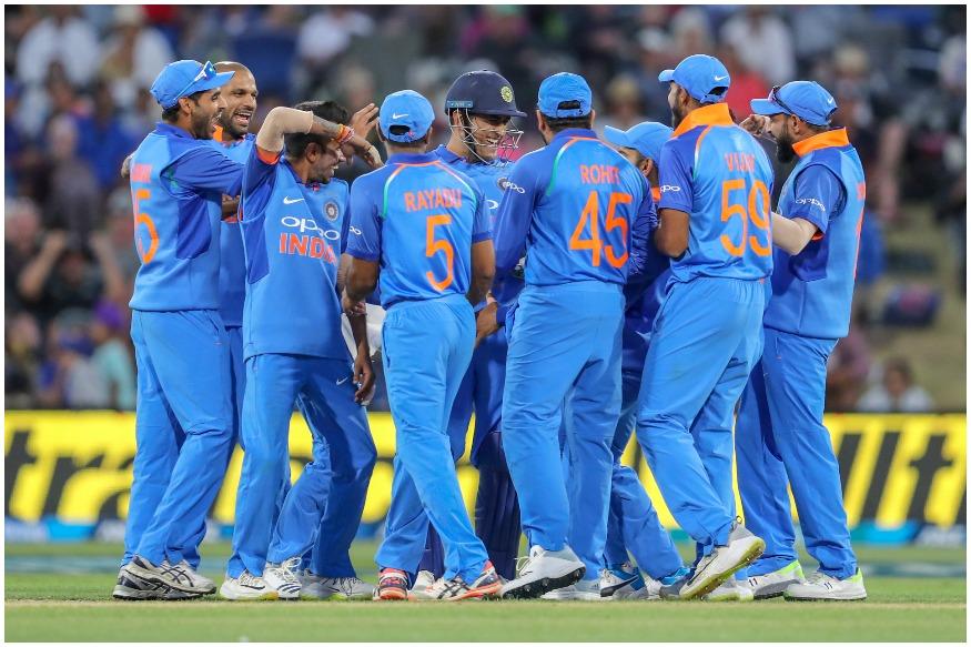 आय़सीसी क्रिकेट वर्ल्ड कपसाठी निवडलेल्या भारतीय संघातील खेळाडूंचे सरासरी वय 29.5 वर्ष इतकं आहे. विशेष म्हणजे वर्ल्ड कपमध्ये भारताचा संघा सर्वात वयस्क खेळाडू असलेला आहे. कोहलीचे वय 30 वर्ष असून 37 वर्षांचा धोनी सर्वात अनुभवी खेळाडू आहे. कुलदीप यादव 24 वर्षांचा असून तो सर्वात तरूण खेळाडू आहे.