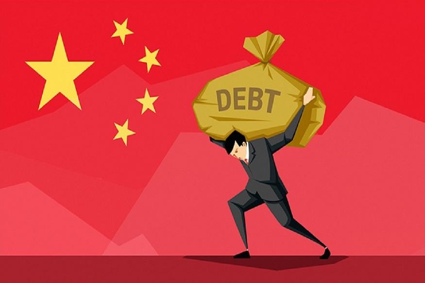 2008नंतर जगाच्या कर्जात 60 टक्के वाढ झालीय. विकसीत आणि विकसनशील देशांची अर्थव्यवस्था या कर्जात डुबलीय. जवळजवळ 1,82,000 कोटी डाॅलर कर्जात फसलेत. अर्थव्यवस्था फसली तर कर्ज फेडण्यासाठी पुंजी कुठून आणणार, हा प्रश्न आहे.