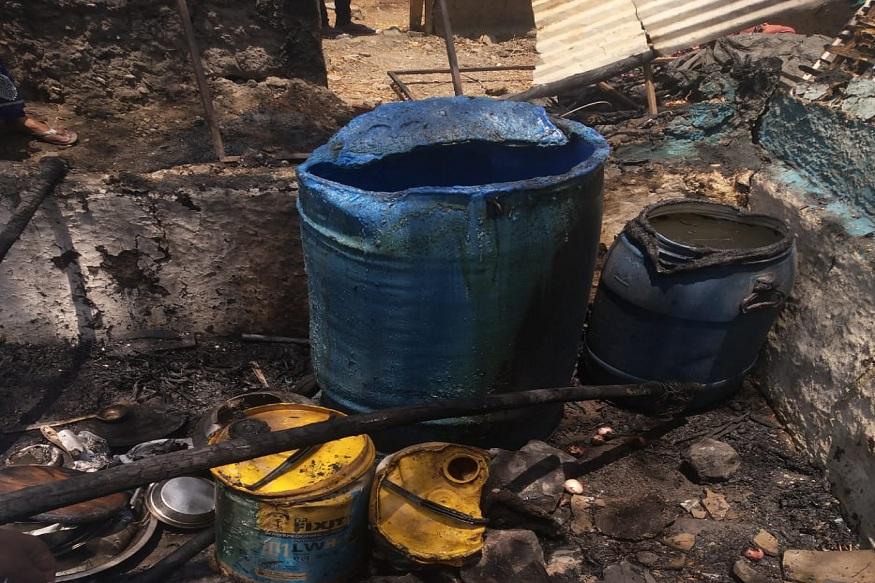 मूर्तिजापूर तालुक्यातील सोनोरीत भीषण आगीत घर जळून खाक