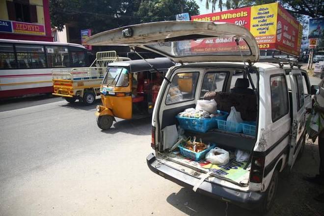 एवढंच नाहीतर, ओमनीमध्ये जास्त जागा उपलब्ध असल्यामुळे छोटे व्यापारी सामनाची ने आण करण्यासाठीही या कारचा वापर करत होते. एवढंच नाहीतर काही जण तर या कारचा चालते फिरते दुकान म्हणूनही वापर करत होते.