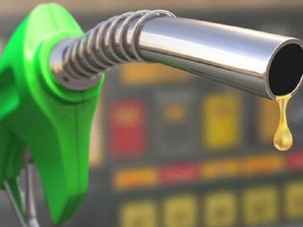 कुवेतमध्येही एक लीटर तेलाची किंमत आहे 24.46 रुपये आहे.