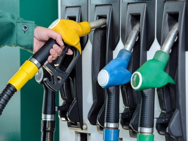तुर्कमेनिस्तान या देशात पेट्रोलचा भाव प्रति लीटरला 30.41 रुपये आहे.
