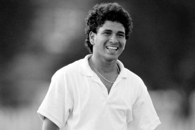 Happy Birthday Sachin : सचिन चक्क मध्यरात्री बॅले डान्सर घेऊन येतो तेव्हा...