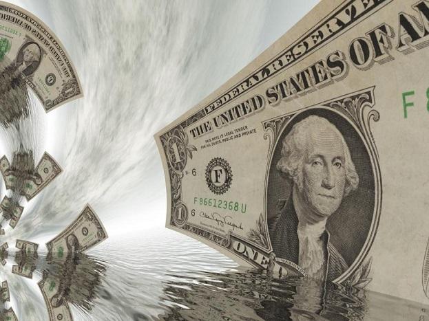 अमेरिकेची रेटिंग एजन्सी मूडीजनं सांगितलंय की जागतिक बँकेनं आर्थिक मंदीबद्दल सावध केलंय. या मंदीची कारणंही सांगितली आहेत. ती आहेत, वाढतं कर्ज, ढासळती बँकिंग सिस्टिम आणि अमेरिका-चीनमधलं ट्रेड वाॅर.