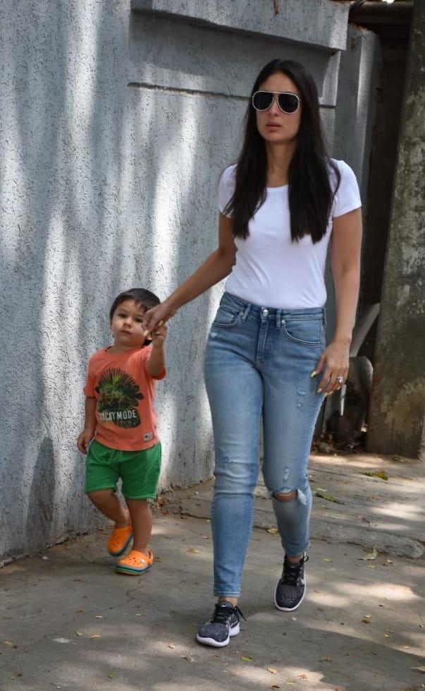 मतदानाला आली असताना करिना कपूरसोबत तिचा मुलगा तैमूरही होता.