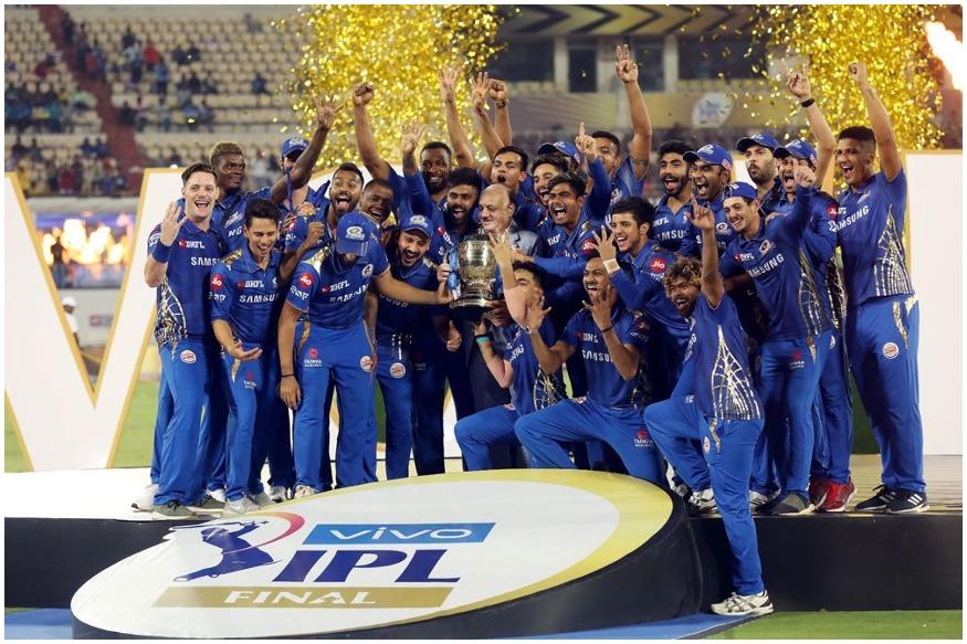 IPL 2019च्या अंतिम लढतीत काय घडलं होतं? मुंबईने चेन्नईचा पराभव करत विक्रमी चौथ्यांदा विजेतेपद मिळवले. मुंबईच्या या विजयानंतर त्यांच्या चाहत्यांनी एकच जल्लोष सुरू केला तर दुसऱ्या बाजूला चेन्नईच्या पराभवाची देखील तितकीच चर्चा होती. अंतिम सामन्यात चेन्नईकडून शेन वॉटसन वगळता अन्य कोणत्याही फलंदाजाला मोठी धावसंख्या उभी करता आली नाही. वॉटसन या खेळीचे सर्वच जण कौतुक करत आहेत. पण वॉटसन या खेळीचे केवळ भारतात नव्हे तर जागतिक क्रिकेटमध्ये कौतुक होत आहे आणि त्याच्या जिद्दीला संपूर्ण क्रिकेट विश्व सलाम करत आहे.