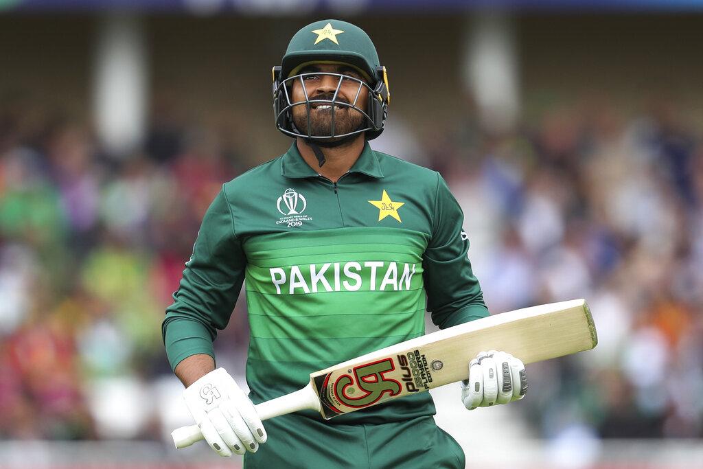 आयसीसी क्रिकेट वर्ल्ड कपमध्ये दुसऱ्या सामन्यात पाकची वेस्ट इंडिजच्या माऱ्यासमोर दाणादाण उडाली. वेस्ट इंडिजने पाकिस्तानला 105 धावांत गुंडाळलं. यामुळे पाकिस्तानच्या नावावर नको असलेल्या विक्रमाची नोंद झाली.