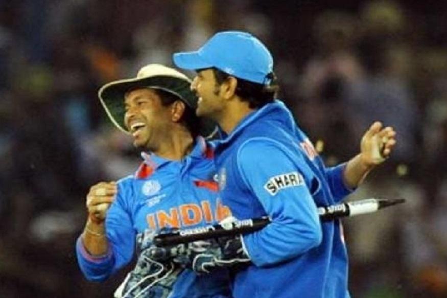 पाकिस्तानचा माजी क्रिकेटपटू शाहिद आफ्रीदीनं आतापर्यंतच्या सर्व क्रिकेटपटूंमधून वर्ल्ड कपचा संघ निवडला आहे.  विशेष म्हणजे या संघात त्याने मास्टर ब्लास्टर सचिन तेंडुलकर आणि महेंद्रसिंग धोनी यांना वगळले आहे.