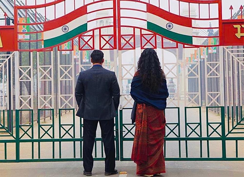 अली अब्बास जफर यांच दिग्दर्शन असलेला 'भारत' हा सिनेमा भारत-पाकिस्तान फाळणीचा काळ प्रेक्षकांसमोर मांडणार आहे. या सिनेमात सलमान खान वेगवेगळ्या पाच लुकमध्ये दिसत आहे.