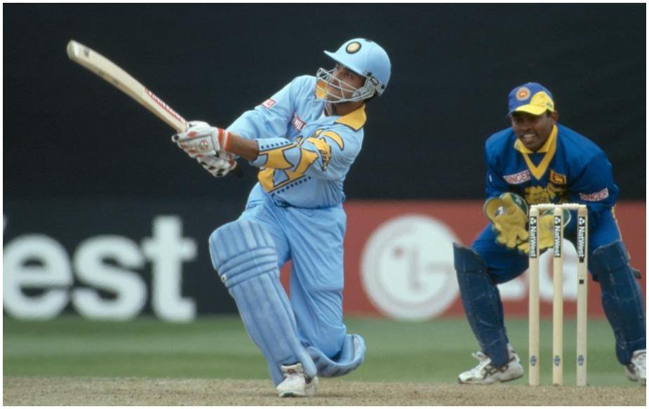 दर चार वर्षांनी होणाऱ्या क्रिकेटच्या वर्ल्ड कपमध्ये आतापर्यंत दोन द्विशतकं झाली आहेत. पण भारताकडून सौरभ गांगुलीने 199 मध्ये श्रीलंकेविरुद्ध 183 धावा केल्या होत्या. त्यानंतर फक्त दोन वेळा भारतीय फलंदाजांनी वर्ल्ड कपमध्ये दीडशेचा टप्पा पार केला आहे.