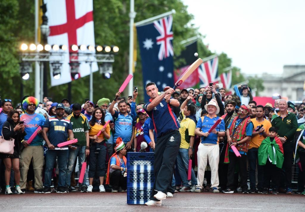 60 सेकंदाचे चॅलेंज इंग्लंडने जिंकले. केविन पीटरसनने एका मिनिटात 74 धावा केल्या. तर भारताच्या सर्वात कमी 19 धावा झाल्या.