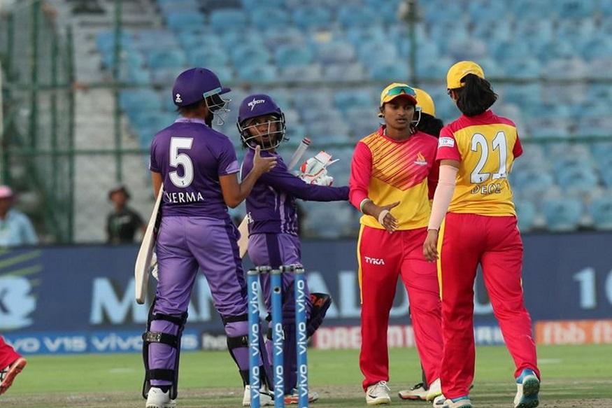 17 व्या षटकातील अखेरच्या दोन चेंडूवर राजेश्वरी गायकवाडने दोन विकेट घेतल्या. त्यानंतर दिप्ती शर्माने 18 व्या षटकातील पहिल्या, तिसऱ्या आणि पाचव्या चेंडूवर तीन फलंदाज बाद केले. शेवटी वेलोसिटीच्या सुश्री प्रधानने दोन धावा घेत संघाला विजय मिळवून दिला.