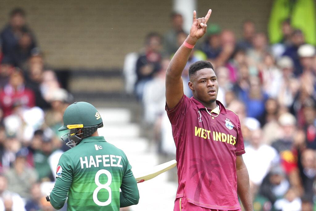 पाकिस्तानने 10 वर्षांपूर्वीचा स्वत:चा सर्वात कमी षटके खेळण्याचा विक्रम मोडला. याआधी श्रीलंकेविरुद्ध 2009 मध्ये ते 21.4 षटकांत ऑलआऊट झाले होते.