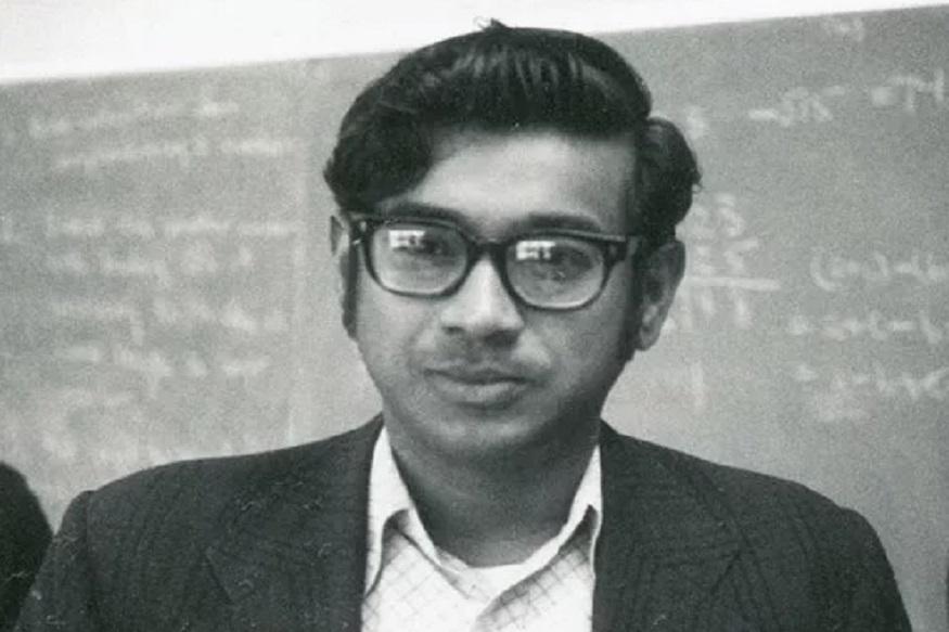 महान भारतीय गणितज्ज्ञ रामानुजन हेसुद्धा नापास झाले होते. गणिताकडे ओढा असलेल्या रामानुज यांचं इतर विषयांकडे दुर्लक्ष व्हायचं. यामुळे ते परीक्षेत अपयशी वेडापायी अन्य विषयांमध्ये दुर्लक्ष झाल्याने परीक्षेत अपयशी ठरत होते.