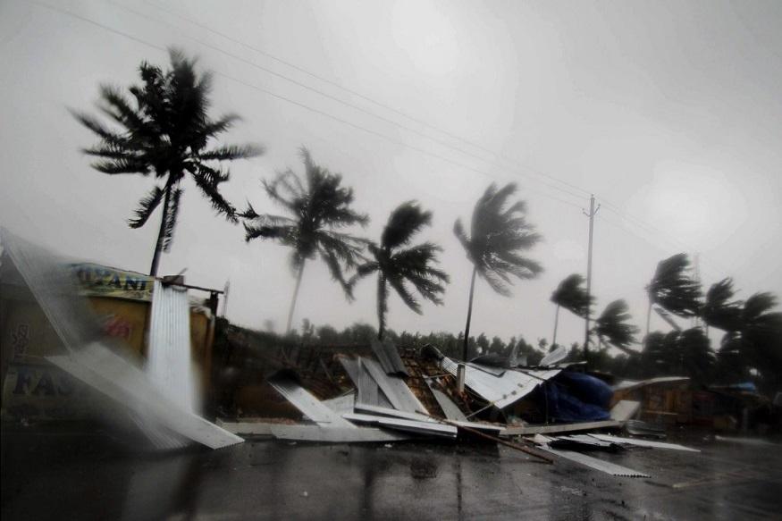 Fani Cyclone : फानी चक्रीवादळाचा देशभरात फटका, पाच जणांचा मृत्यू