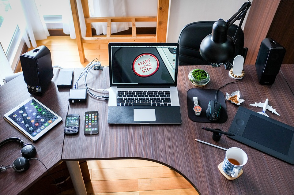 एका संशोधनातून हे पुढे आलंय की जे लोक आॅफिसमध्ये 52 मिनिटं काम करून 17 मिनिटांचा ब्रेक घेतात, ते चांगलं काम करतात. त्यांची क्षमताही वाढते.
