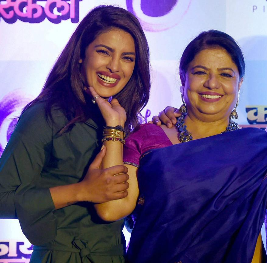 प्रियांका चोप्रा आणि मधू चोप्रा (फोटो- पीटीआय)