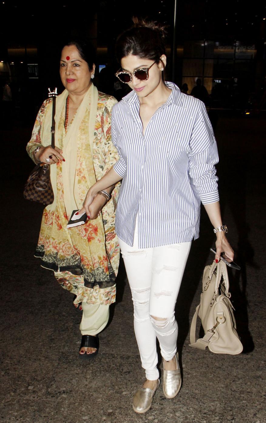 सुनंदा शेट्टी आणि शमिता शेट्टी (फोटो- योगेन शहा)