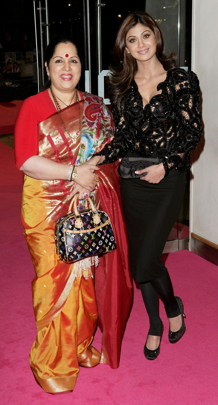 सुनंदा शेट्टी आणि शिल्पा शेट्टी (फोटो- योगेन शहा)