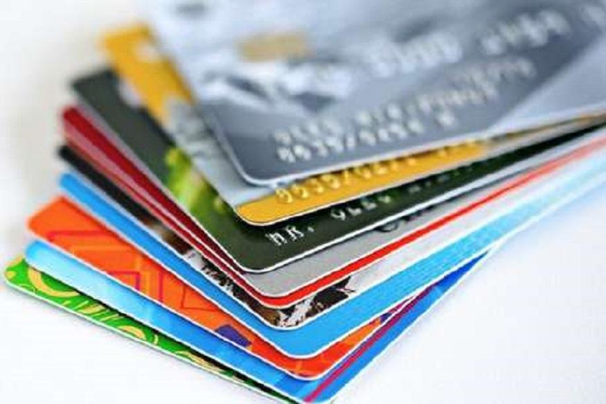 तुम्ही Credit Card वापरता? मग न विसरता 'या' गोष्टी कराच