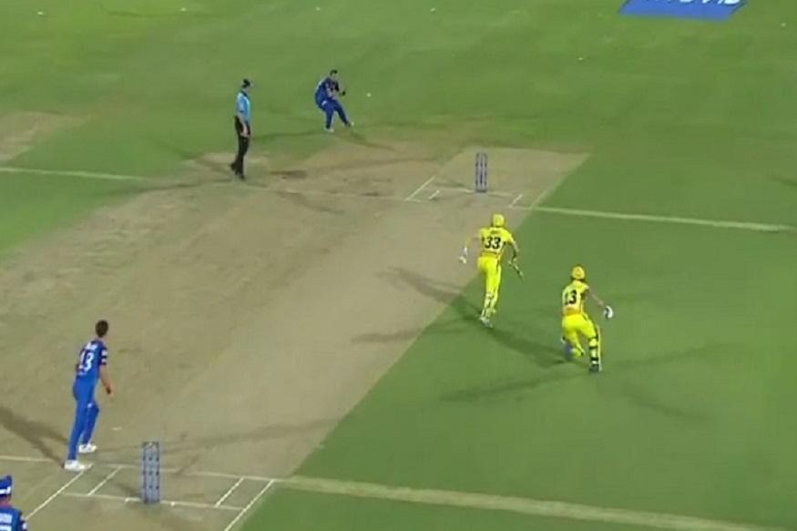 VIDEO : एका चेंडूवर दोनवेळा बाद होण्यापासून वाचले फलंदाज