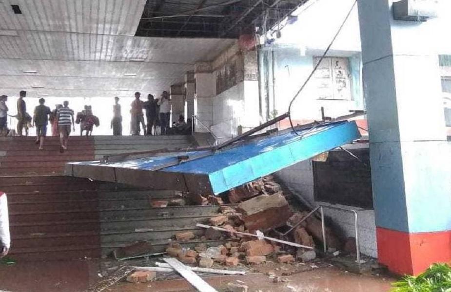 भुवनेश्वर रेल्वे स्टेशनच्य प्लॅटफॉर्म नंबर 1 चं छप्पर पूर्णपणे उडून गेलं. काही ठिकाणी बस आणि क्रेन उलटण्याच्याही घटना घडल्या.