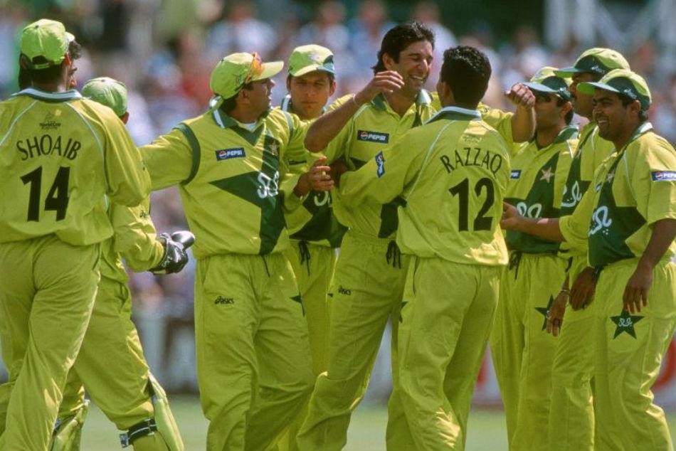 1999 च्या वर्ल्ड कपमध्ये पाकिस्तानने सुपर सिक्समध्ये प्रवेश केला होता. यावेळी पाकिस्तान क्रिकेट बोर्डाने खेळाडूंना पत्नी आणि प्रेयसीला मायदेशी पाठवण्याचा आदेश दिला. या आदेशाचे खेळाडूंनी पालन केले.