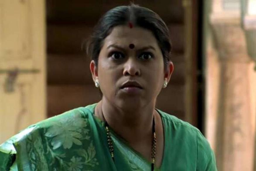 रसिका जोशी यांनी शाहरुखसोबत 'बार्बर' आणि 'स्वदेस' या सिनेमांत काम केलं होतं. मराठी सिनेसृष्टीतील हरहुन्नरी अभिनेत्री म्हणून आजही तिला ओळखलं जातं. ७ जजुलै २०११ मध्ये त्यांचं निधन झालं.