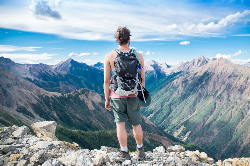 उन्हाळ्याच्या सुट्ट्या सुरू झाल्यात. अनेक जण या सुट्टीत थंड हवेच्या ठिकाणी फिरायला जायचा प्लॅन करतात.