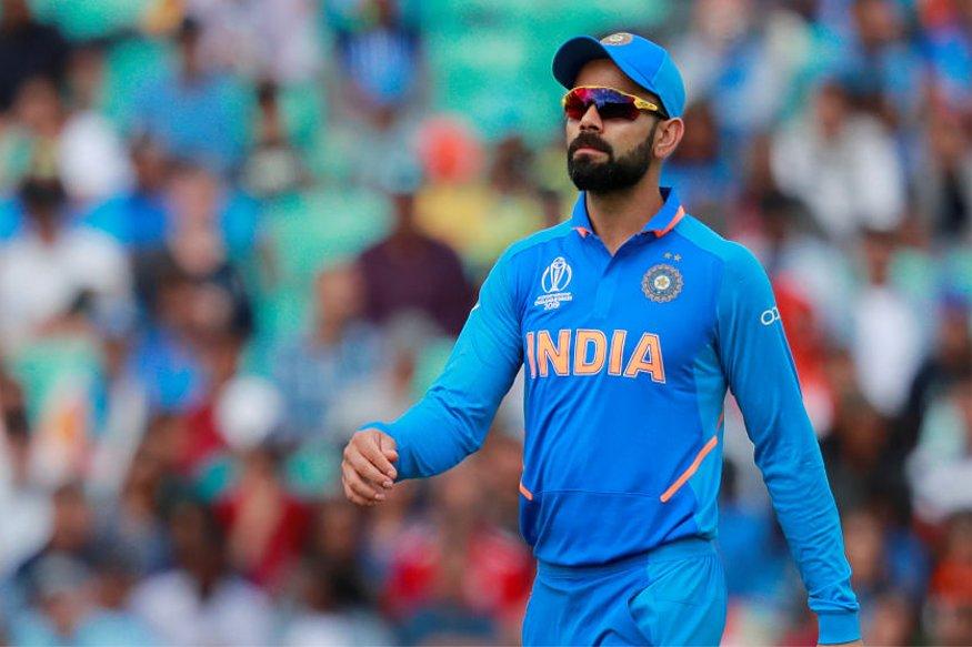 कोहली एक मुलाखती दरम्यान, मी गोलंदाजी करण्यातही तरबेज आहे. मात्र, 2017नंतर मी आंतरराष्ट्रीय क्रिकेटमध्ये गोलंदाजी केलेली नाही, याचं कारण आहे संघातील काही खेळाडू.