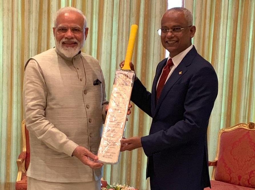 मालदीवमध्ये क्रिकेटला प्रोत्साहन देण्यासाठी भारताने मदत करावी अशी विनंती तिथल्या क्रिडा मंत्र्यांनी केली होती. त्यावर बीसीसीआयकडून सकारात्मक प्रतिसाद मिळाल्याचं मालदीवच्या क्रिडामंत्र्यांनी सांगितलं.