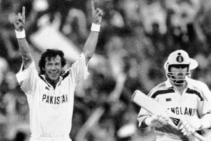 भारत-पाक यांच्यातील फाळणी न झालेल्या स्वप्नातील संघाचे नेतृत्व पाकचे सध्याचे पंतप्रधान आणि माजी अष्टपैलू खेळाडू इम्रान खान यांच्याकडे असावं असं टाइम्सने म्हटलं आहे. इम्रान खान यांच्या नेतृत्वाखाली अभूतपूर्व कामगिरी करत 1992 चा वर्ल्ड कप जिंकला होता.