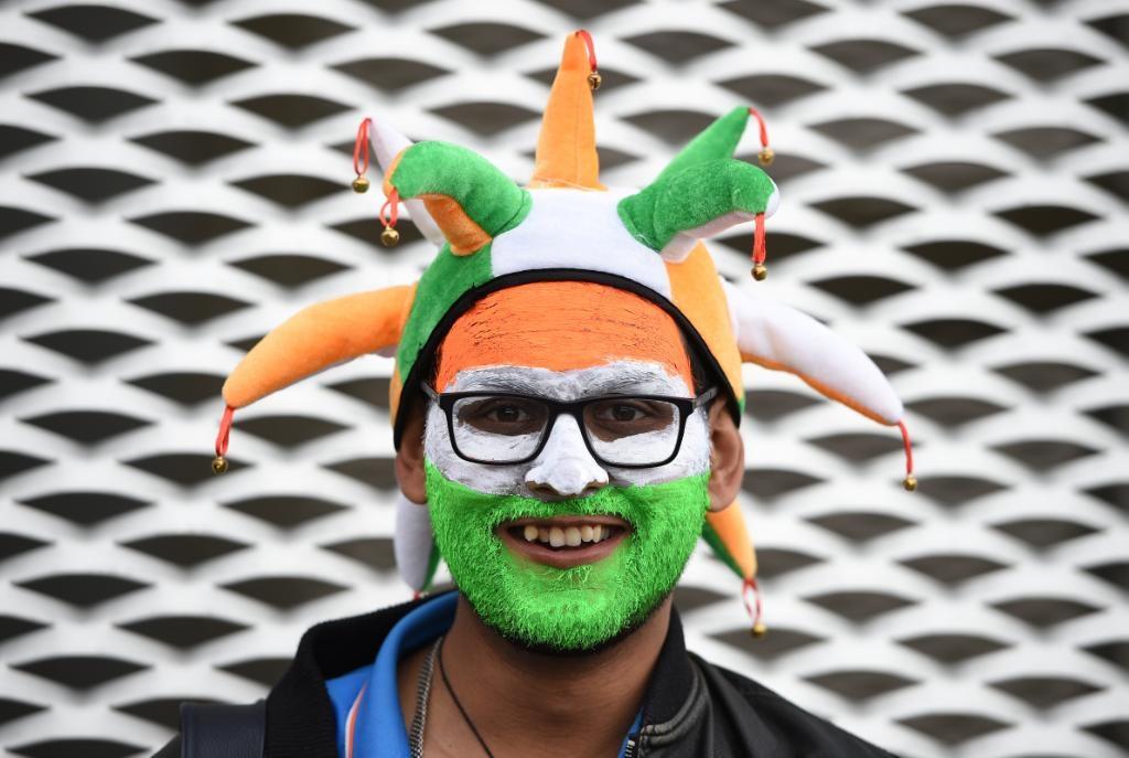 भारतीय चाहत्याने तीन रंगात चेहरा रंगवलेला एक फोटो सामना सुरू होण्यापूर्वी शेअर करण्यात आला होता.