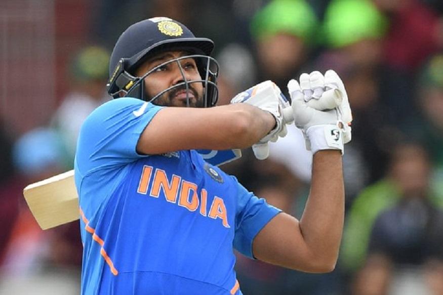 पाकिस्तानने नाणेफेक जिंकून भारताला फलंदाजीला पाचारण केलं. पहिल्या दहा षटकात त्यांच्या ढिसाळ क्षेत्ररक्षणामुळे रोहित शर्माला जीवदान मिळालं. रोहित धावबाद होता होता वाचला. त्याला धावबाद करण्याची संधी पाकच्या हातातून निसटली.