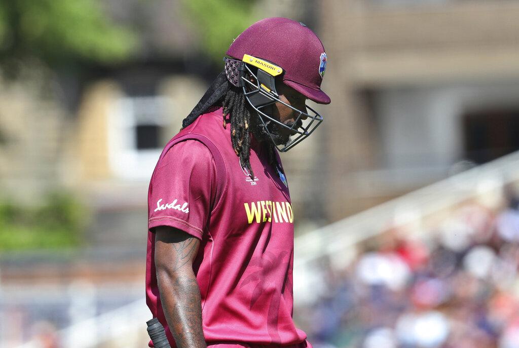 वेस्ट इंडिजचा उपकर्णधार आणि तडाखेबाज फलंदाज ख्रिस गेलने 2 वेळा तर कर्णधार जेसन होल्डरने दोन वेळा डीआरएस रिव्ह्यू घेतला.