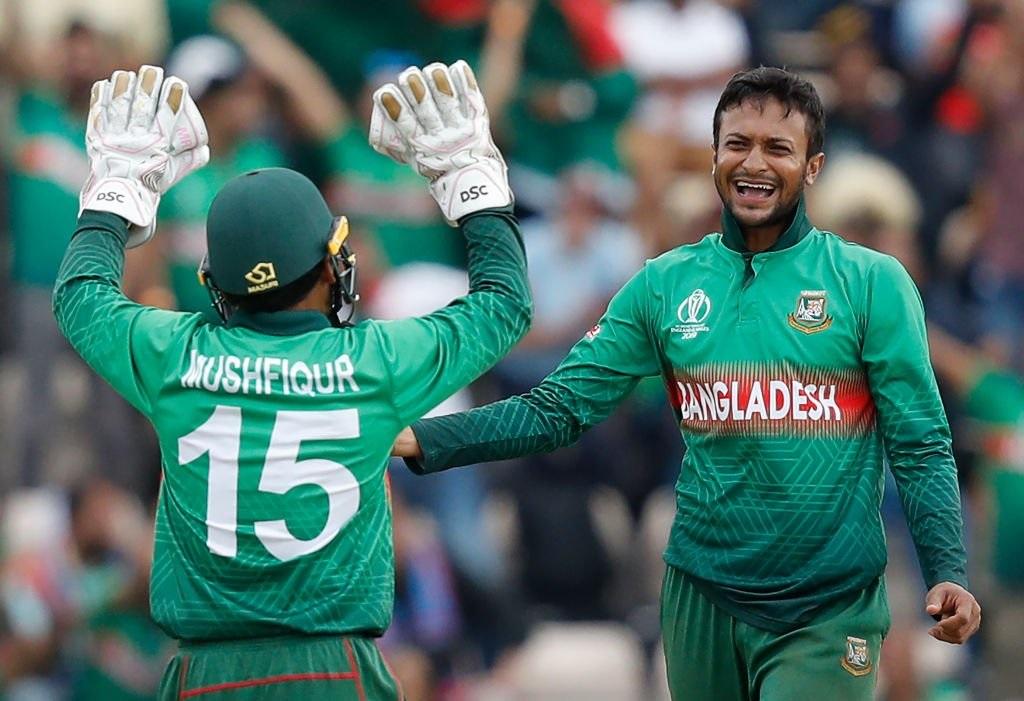 बांगलादेशकडून वर्ल्ड कपमध्ये 5 विकेट घेणारा शाकिब अल हसन पहिला खेळाडू ठरला आहे. 2019 च्या वर्ल्ड कपमध्ये 400 पेक्षा जास्त धावा करणारा आणि 10 विकेट घेणारा तो एकमेव खेळाडू आहे.