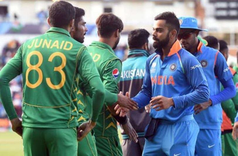 भारताचा कर्णधार विराट कोहली ए ग्रेडमध्ये असून त्याला वर्षाला सात कोटी रुपये दिले जातात. तर पाकिस्तानच्या सर्व खेळाडूंचे वेतन मिळून 7 कोटी 53 लाख रुपये आहे.