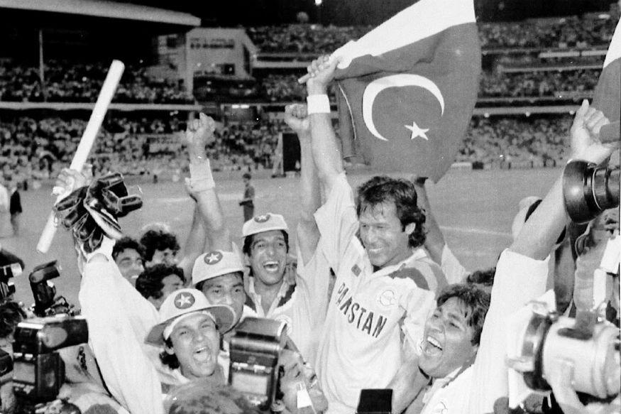 भारताला सध्या चौथ्या क्रमांकाची चिंता आहे. जर दोन्ही संघांतील चौथ्या क्रमांकासाठी कोणाची निवड करायची झाली तर जावेद मियादाद त्यासाठी योग्य ठरेल. त्याने अनेकदा भारताकडून विजय हिसकावून घेतला आहे. 1986 च्या ऑस्ट्रल आशिया कप स्पर्धेत फायनलला शेवटच्या चेंडूवर षटकार मारून विजय मिळवला होता.