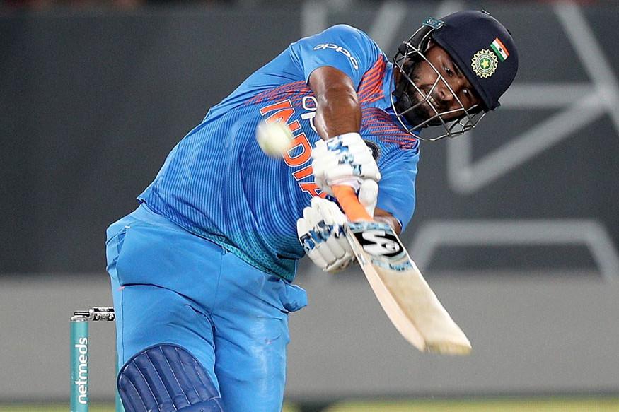 रिषभ पंतने  2018-19 मध्ये ऑस्ट्रेलिया दौऱ्यावर भारताच्या कसोटी मालिका विजयात महत्त्वाची कामगिरी केली होती. त्याने 4 सामन्यातील 7 डावात 350 धावा केल्या होत्या. मालिकेत त्याच्यापेक्षा फक्त चेतेश्वर पुजाराने सर्वाधिक 521 धावा केल्या होत्या.