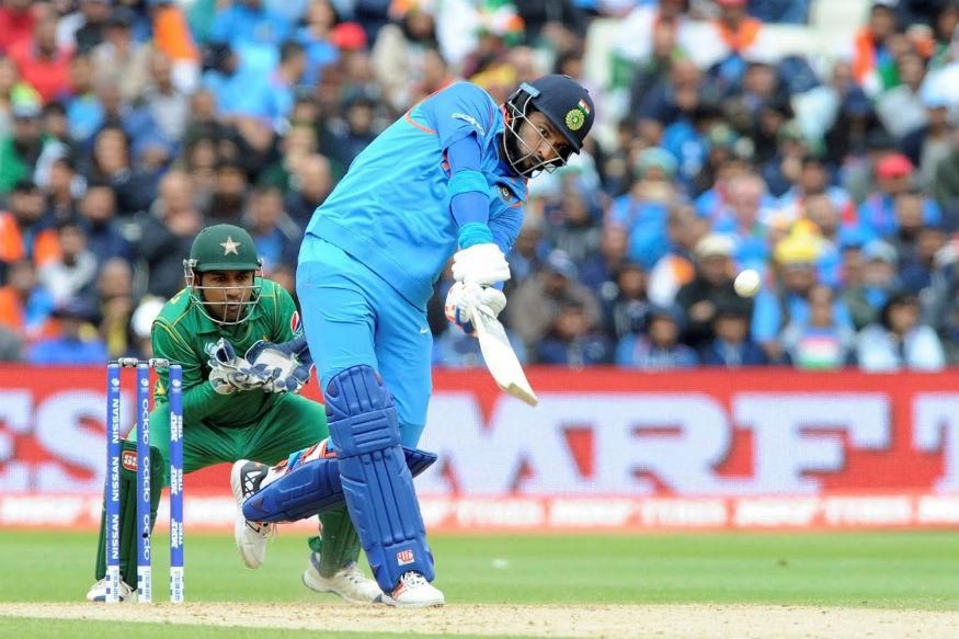 पाचव्या स्थानी नुकतीच निवृत्ती घेतलेला अष्टपैलू खेळाडू युवराज सिंगचे नाव घेता येईल. भारत पाकिस्तानच्या क्रिकेट इतिहासात पाचव्या क्रमांकावर त्याची कामगिरी जबरदस्त अशीच राहिली आहे. 2007 मध्ये टी 20 आणि 2011 चा वर्ल्ड कप जिंकून देण्यात त्याने महत्त्वाची भूमिका बजावली होती.