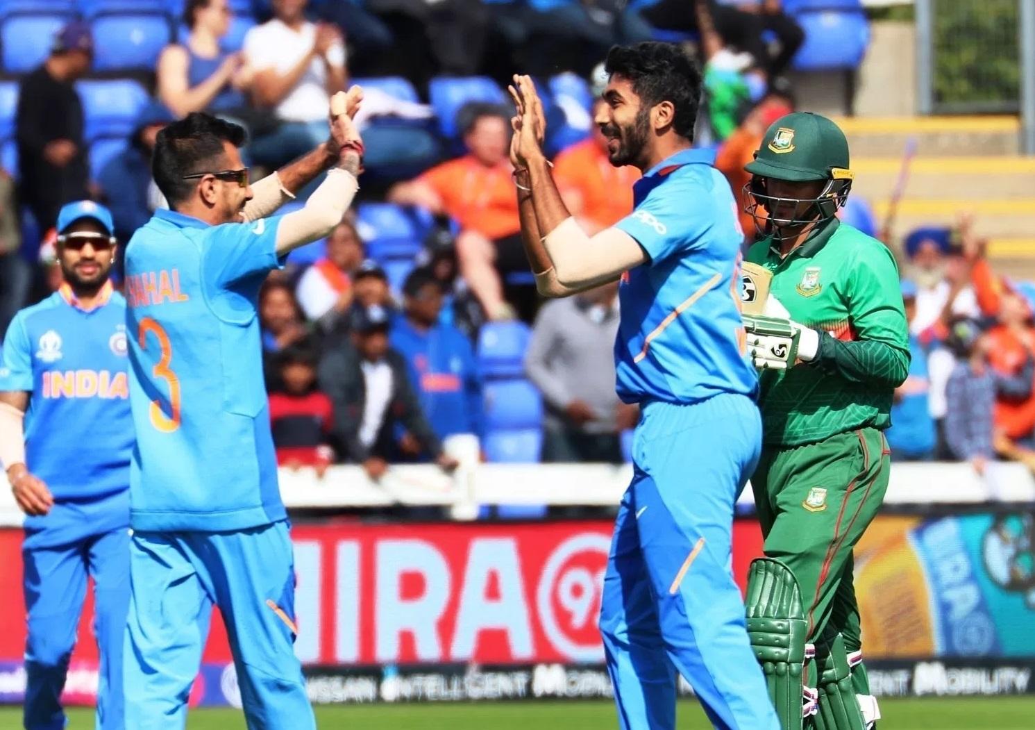 वर्ल्ड कपमध्ये भारताने 6 सामने जिंकले असून एक पराभव तर एक सामना पावसाने रद्द झाला. भारताचे 13 गुण झाले एक सामना श्रीलंकेशी होणार आहे.