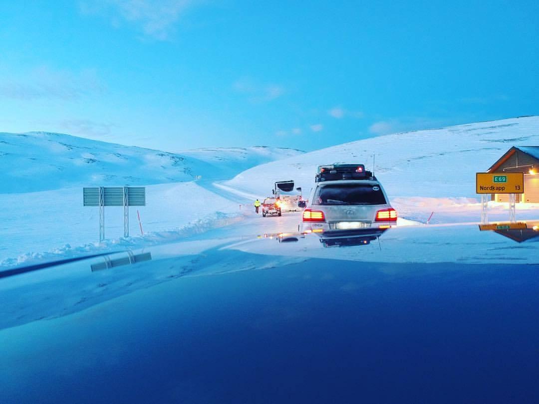 ई-69 हा माहामार्ग फक्त 14 किमीचा असून, कुणीही हरवून जाईल अशी अनेक ठिकाणं असल्याने या मार्गावर एकट्याने फिरण्यास बंदी आहे.