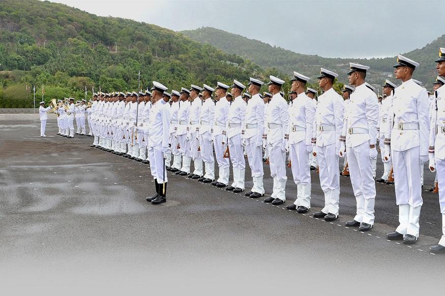 भारतीय नौदलात 2700 व्हेकन्सी, 'असा' करा अर्ज
