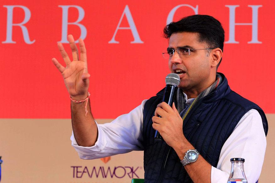 सचिन पायलट : काँग्रेस नेते आणि राजस्थानचे उपमुख्यमंत्री सचिन पायलट यांनी स्टीफन कॉलेजमधून पदवी मिळवली आहे. तसंच इंस्टिट्यूट ऑफ़ मॅनेजमेंट अँड टेक्नॉलॉजीमधून मार्केटिंगमध्ये डिप्लोमाची डिग्री प्राप्त केली आहे.